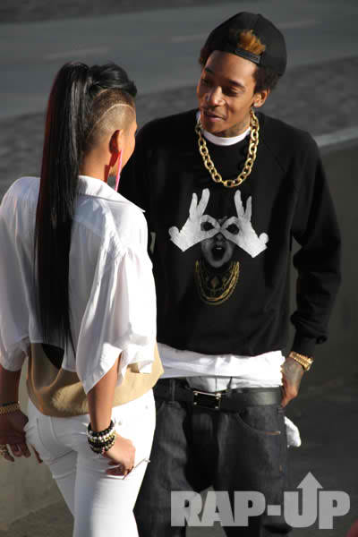 cassie in wiz khalifa roll up video. Wiz Khalifa hooked up with